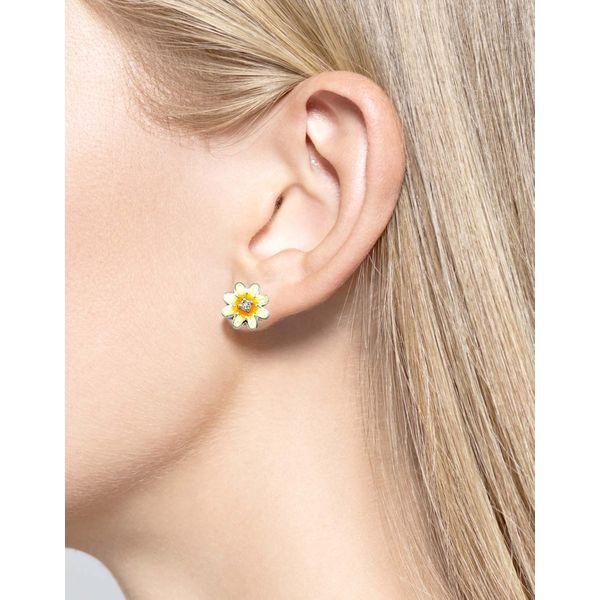 WHITE DAISY EARRINGS Image 2 Jerald Jewelers Latrobe, PA