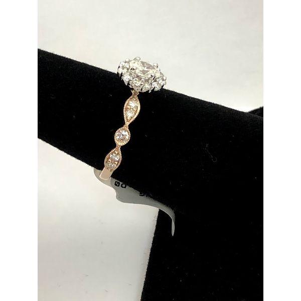 OVAL HALO DIAMOND ENGAGEMENT RING Image 2 Jerald Jewelers Latrobe, PA
