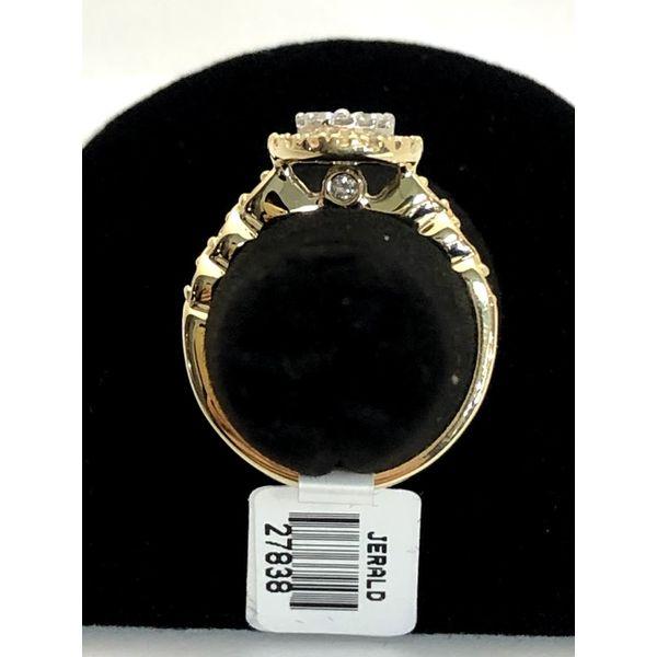 CLUSTER DIAMOND ENGAGEMENT Image 2 Jerald Jewelers Latrobe, PA