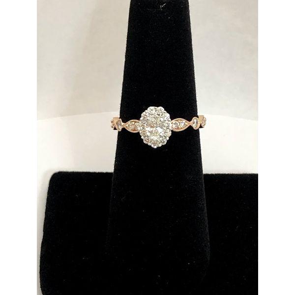 OVAL HALO DIAMOND ENGAGEMENT RING Jerald Jewelers Latrobe, PA