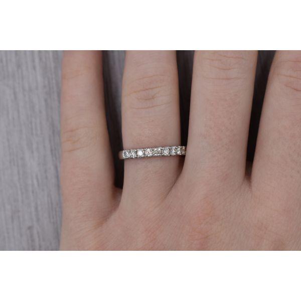 14K Ladies Shared Prong Diamond Band Image 2 Jones Jeweler Celina, OH