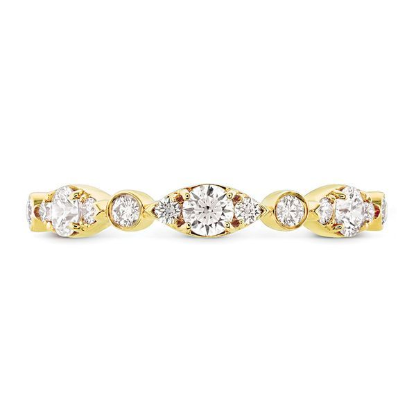hearts on fire bezel regal band 18k yellow gold with diamond rounds in alternating sizes