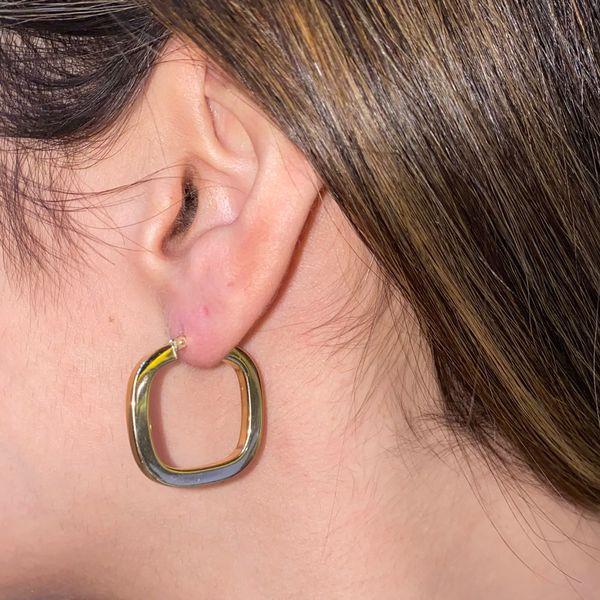 14 Karat Square Gold Hoop Earring Image 2 Martin Busch Inc. New York, NY