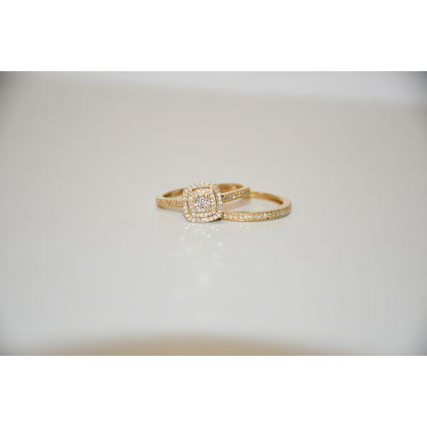 10 Karat Yellow Gold Halo Ring Set Image 2 McCoy Jewelers Bartlesville, OK