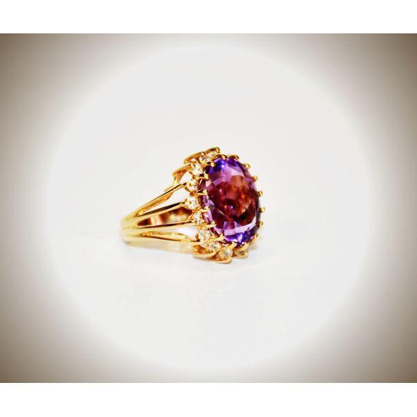 14 Karat Yellow Gold Amethyst Fashion Ring Image 2 McCoy Jewelers Bartlesville, OK