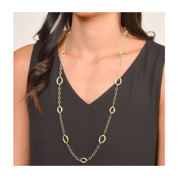 Gold Link Oval Chain Image 2 Mystique Jewelers Alexandria, VA