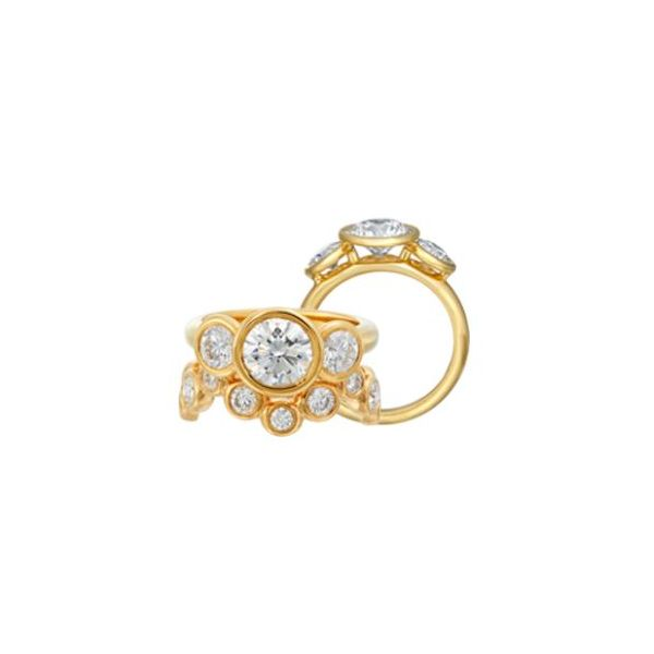 GUMUCHIAN 18K YELLOW GOLD WOMENS 3 STONE DIAMOND ENGAGEMENT RING Mystique Jewelers Alexandria, VA