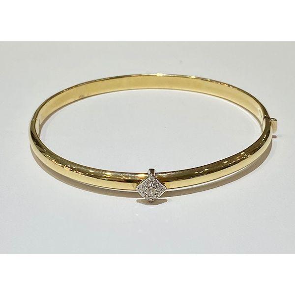 Diamond bangle bracelet Mystique Jewelers Alexandria, VA