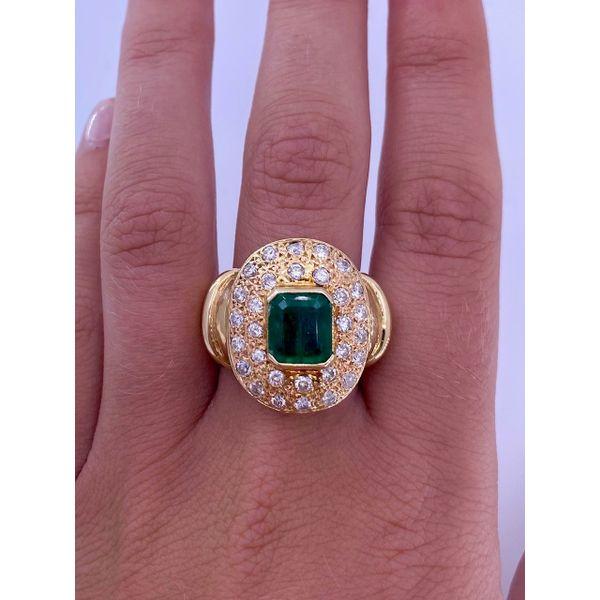 Emerald Diamond Ring  Image 2 Mystique Jewelers Alexandria, VA