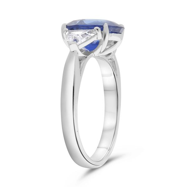 Natural 3.58 Ct Sapphire ring  Image 2 Mystique Jewelers Alexandria, VA