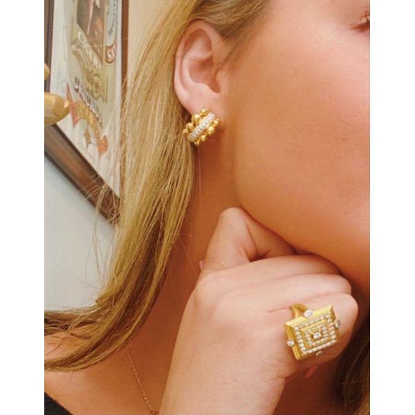 DIAMOND SQUARE DECO RING Image 2 Mystique Jewelers Alexandria, VA