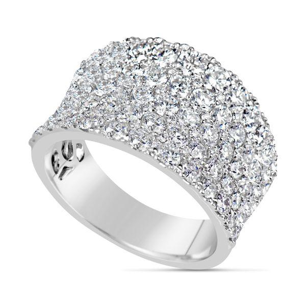18K DIAMOND BAND Mystique Jewelers Alexandria, VA