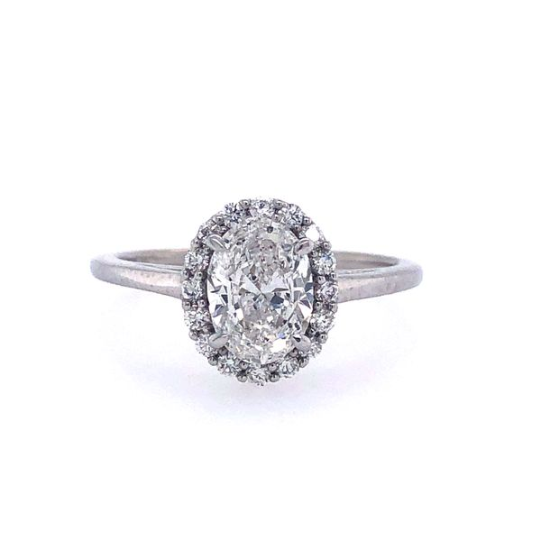14 kt Oval-Shaped Diamond White Gold Engagement Ring