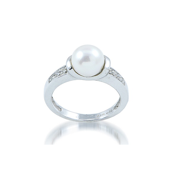 14 kt White Gold Akoya Pearl and Diamond Ring