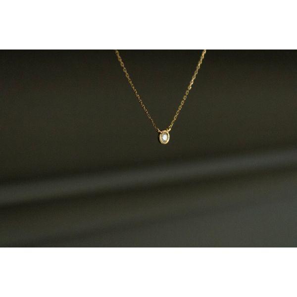 14 kt Yellow Gold Fashion Round Bezel Diamond Necklace Image 2 Parris Jewelers Hattiesburg, MS