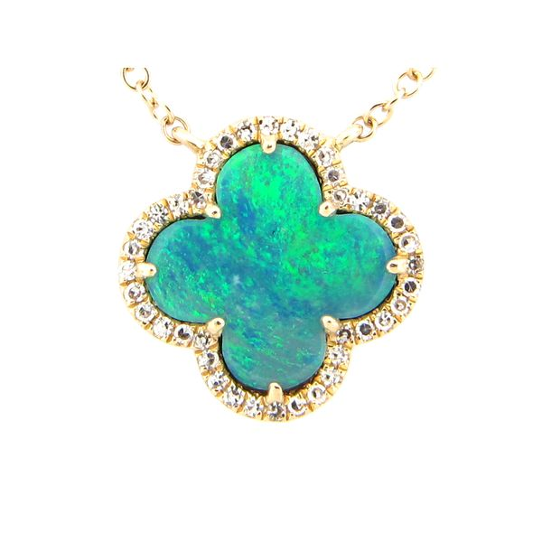 14 kt Yellow Gold Opal Clover Shaped Necklace