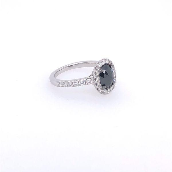 18 kt Black Diamond Engagement Ring