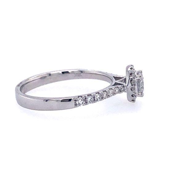 14 kt White Gold Engagement Ring