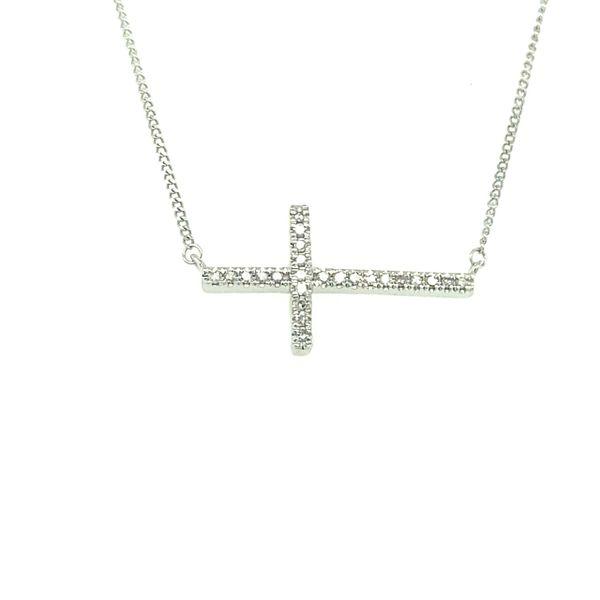 10 kt White Gold Diamond Cross Necklace