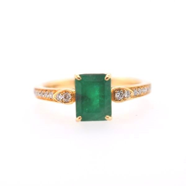14 kt Yellow Gold Colombian Emerald Ring
