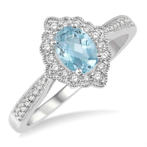 10 Kt White Gold Aquamarine and Diamond ring
