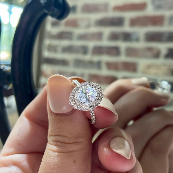 Diamond Halo Engagement Ring Setting  Image 2 Parris Jewelers Hattiesburg, MS