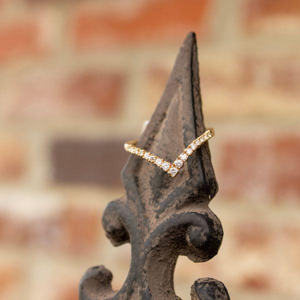10 kt Yellow Gold Diamond V band  Image 2 Parris Jewelers Hattiesburg, MS