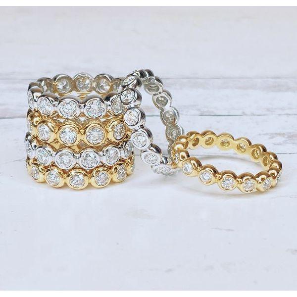 18k Bezel Set Diamond Ring Image 2 Parris Jewelers Hattiesburg, MS