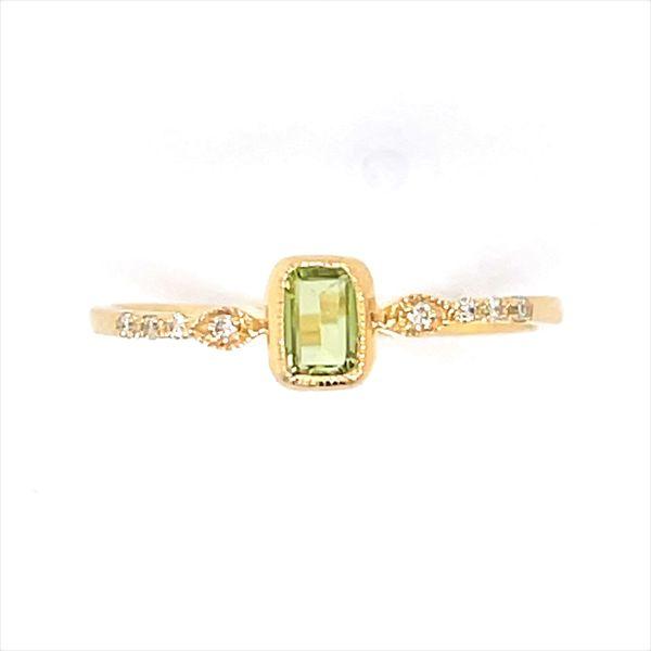 14 kt Yellow Gold Peridot and Diamond Ring