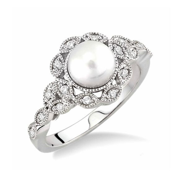 10K  White Gold Vintage Style Pearl Ring