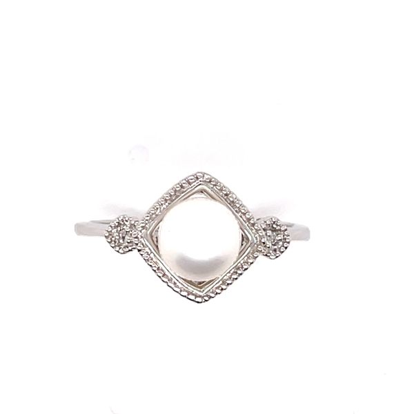 14 kt White Gold Pearl and Diamond Ring