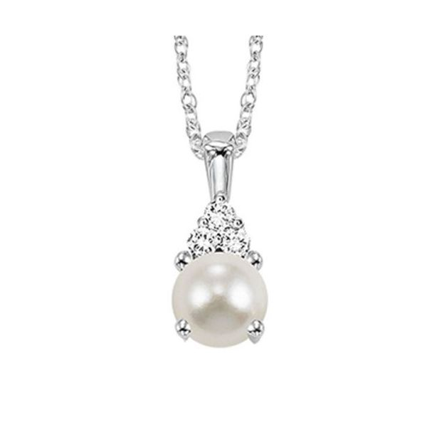 10 kt White Gold Pearl and Diamond Necklace