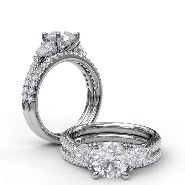 14 kt White Gold 3-Stone Engagement Ring