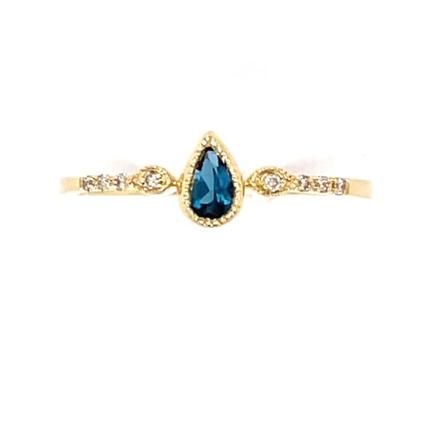 14 kt Yellow Gold London Blue Topaz Ring