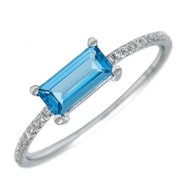 14 kt Blue Topaz and Diamond Ring