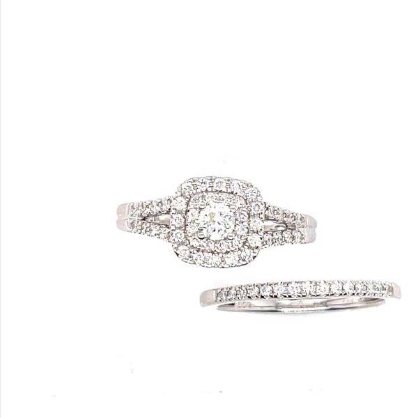 14 kt White Gold Diamond Engagement Ring with Wedding Band