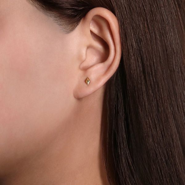 Yellow Gold Pyramid Kit Shaped Stud Image 2 Polly's Fine Jewelry N. Charleston, SC