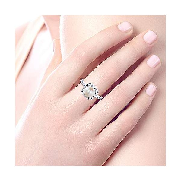 14K White Gold Classic Cultured Pearl and Diamond Halo Ring Image 4 Polly's Fine Jewelry N. Charleston, SC