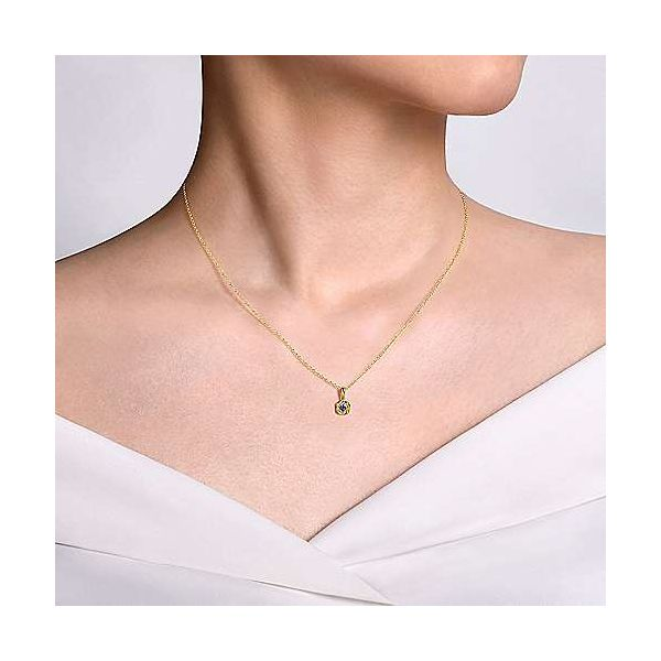 14k Yellow Gold Sapphire Necklace Image 2 Polly's Fine Jewelry N. Charleston, SC