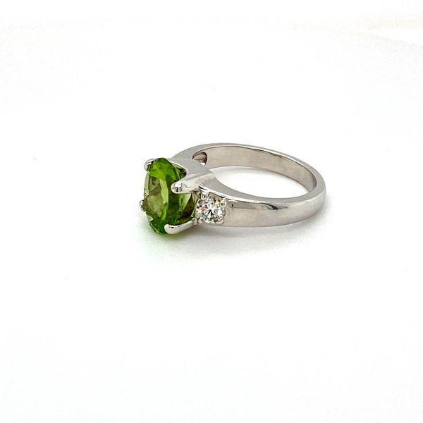 Estate Peridot Ring Image 2 Toner Jewelers Overland Park, KS