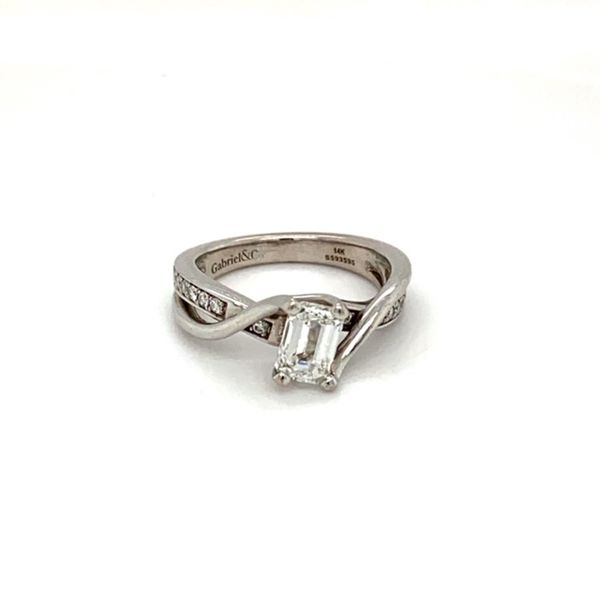 Estate Diamond Solitaire Ring  Image 2 Toner Jewelers Overland Park, KS