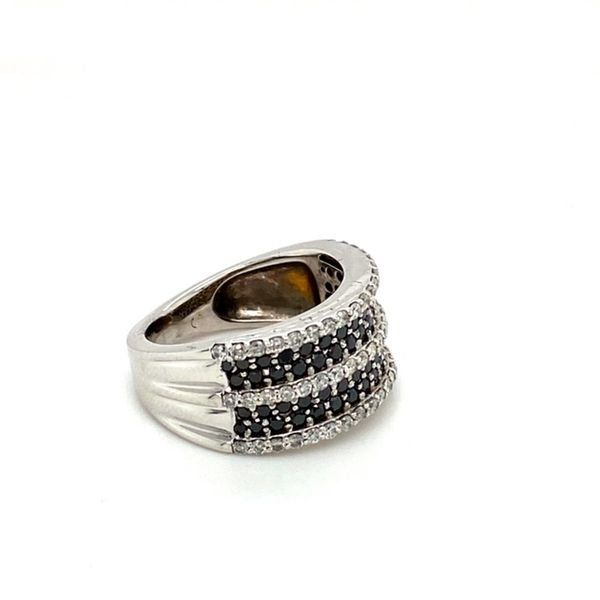 Estate White and Black Diamond Ring Image 3 Toner Jewelers Overland Park, KS