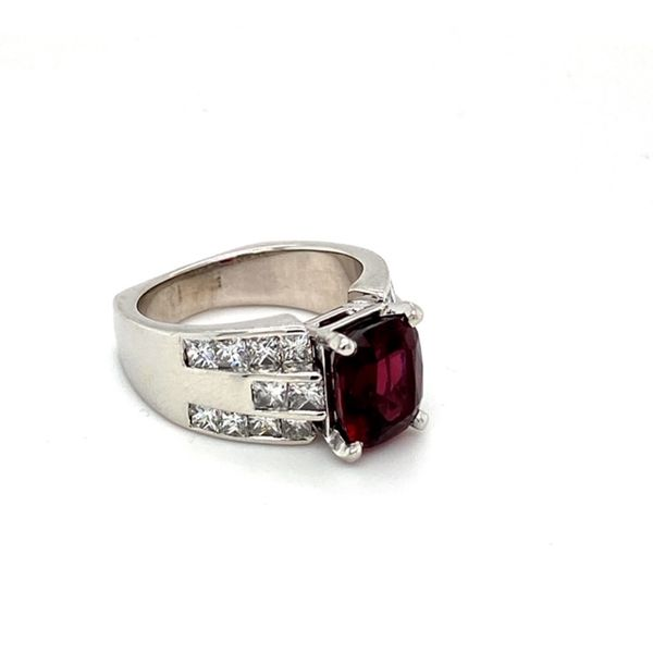 Estate Garnet Ring Image 3 Toner Jewelers Overland Park, KS