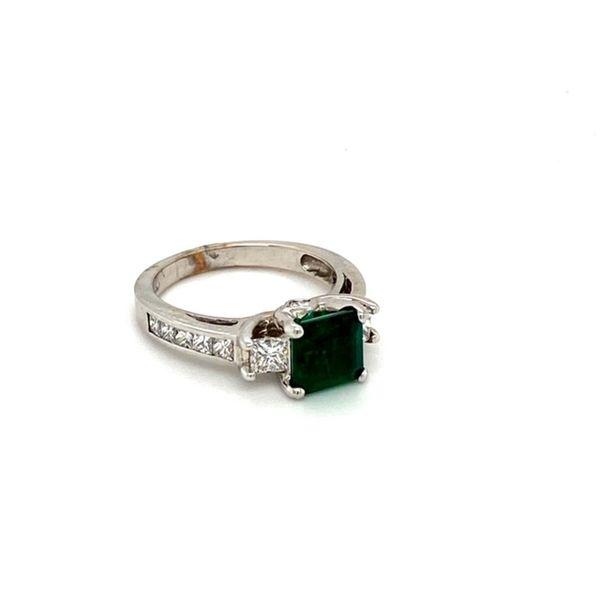 Emerald Ring Image 2 Toner Jewelers Overland Park, KS