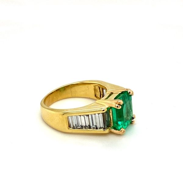 Estate Emerald Ring Image 3 Toner Jewelers Overland Park, KS