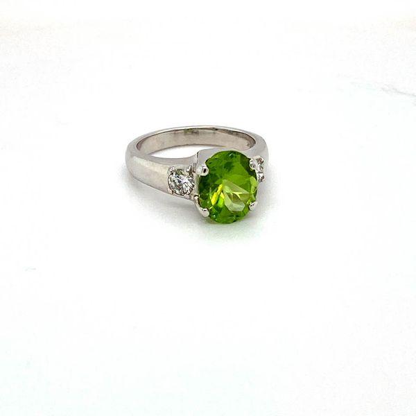 Estate Peridot Ring Image 3 Toner Jewelers Overland Park, KS