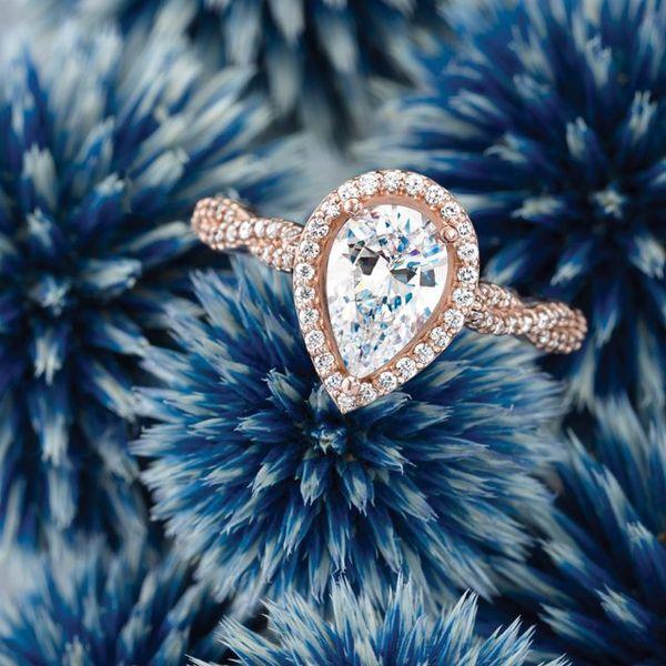 Pear Twist Engagement Ring Mounting Image 2 Vandenbergs Fine Jewellery Winnipeg, MB