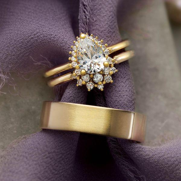 9x6 mm Pear Engagement Ring Mounting Image 2 Vandenbergs Fine Jewellery Winnipeg, MB