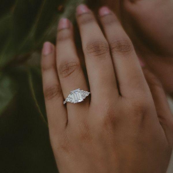French-Set Engagement Ring Mounting Image 2 Vandenbergs Fine Jewellery Winnipeg, MB
