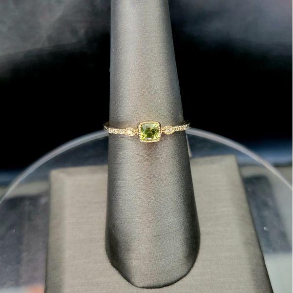 14K Yellow Gold Peridot with .03ctw Diamond Ring Vulcan's Forge LLC Kansas City, MO